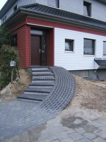 Hauseingangstreppen und Kellertreppen